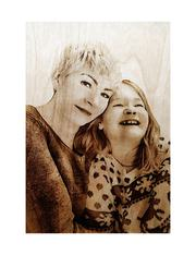 Портреты и картины,  выжженные на дереве по фотографии